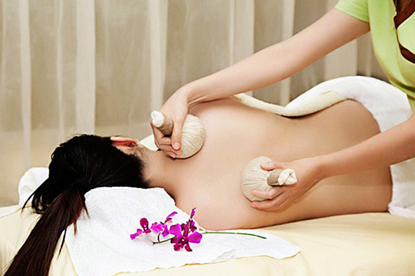 http://greenhousespa.vn/wp-content/uploads/2020/11/1568369906-nen-massage-bau-tu-thang-thu-4.jpg
