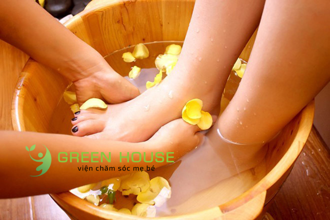 http://greenhousespa.vn/wp-content/uploads/2020/11/1569550885-massage-chan.jpg